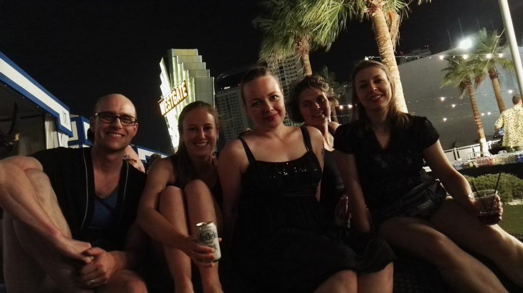 Jens, Cupcache, DIE, Supergrobi und Ninja in Las Vegas.